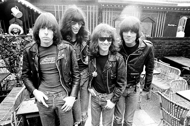 tommy-ramone-the-ramones-10-billboard-2014-650x430