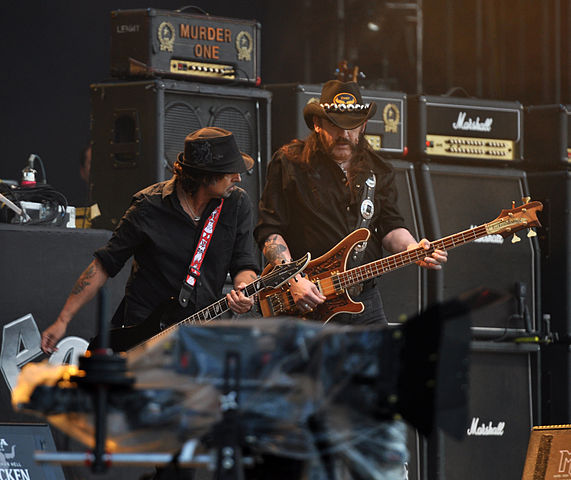 571px-phil_campbell_and_lemmy_kilmister_of_motorhead_at_wacken_open_air_2013_02
