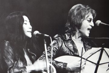 yoko_ono_and_john_lennon_at_john_sinclair_freedom_rally