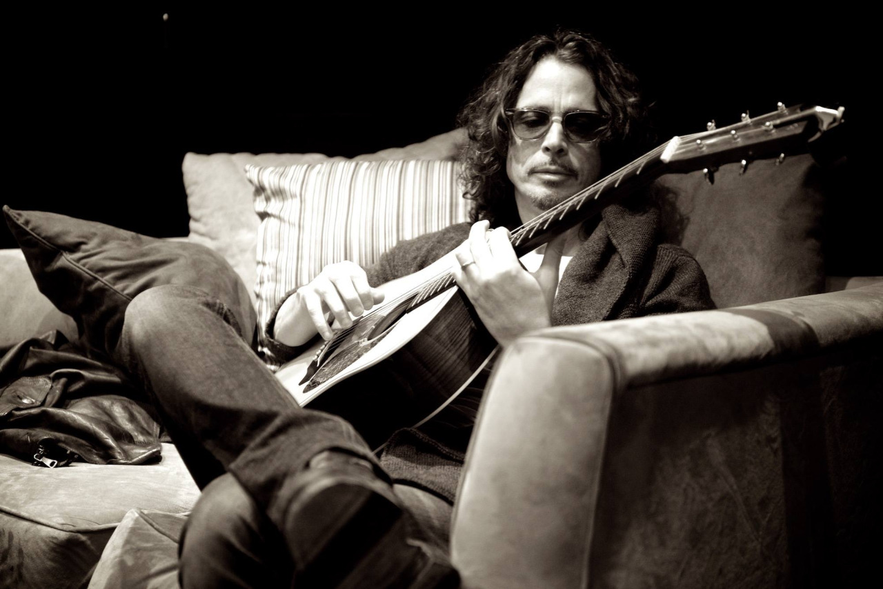 http://www.classicrockitalia.it/wp-content/uploads/2017/01/chris-cornell.jpg
