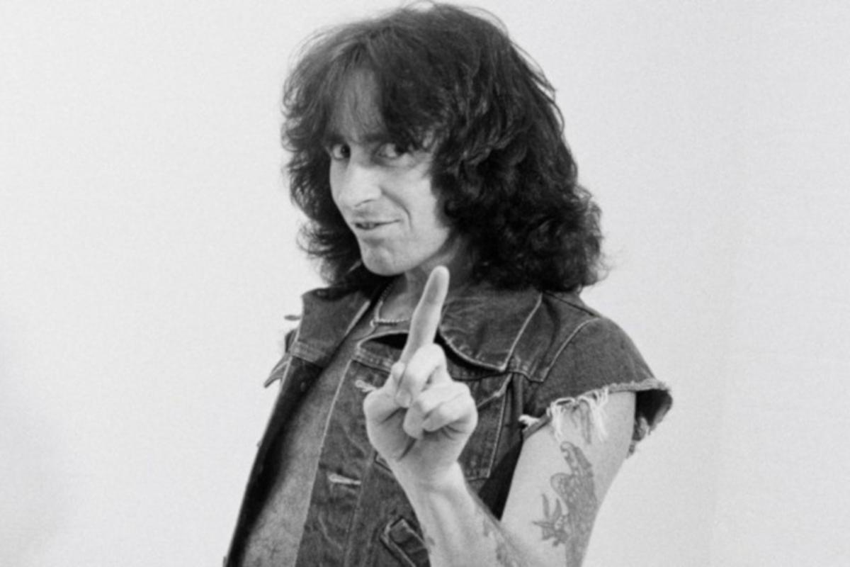 Bon Scott, oggi nel rock, Stonemusic, AC/DC