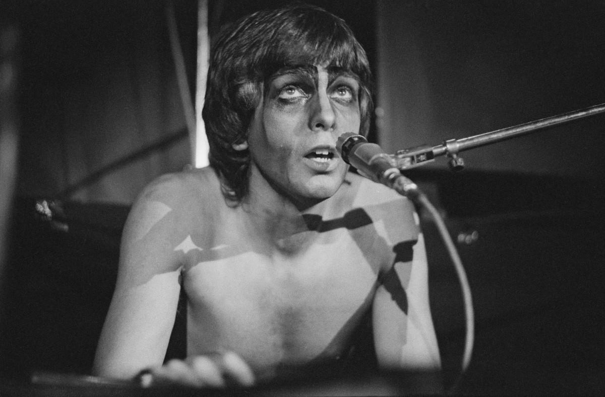 Peter Gabriel, Genesis, vacanze, Stonemusic