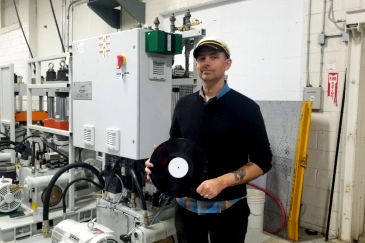 Clampdown Record Pressing, Canada, impianti, Vinile Stone Music