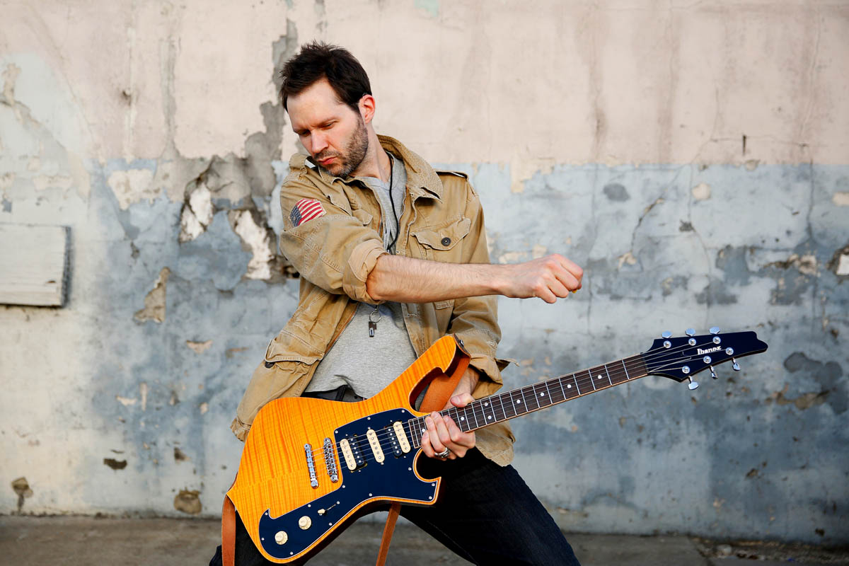 Paul Gilbert, Behold Electric Guitar, Brian Foxworth, Asher Fulero, Roland Guerin, John Cuniberti, Classic Rock, stonemusic.it