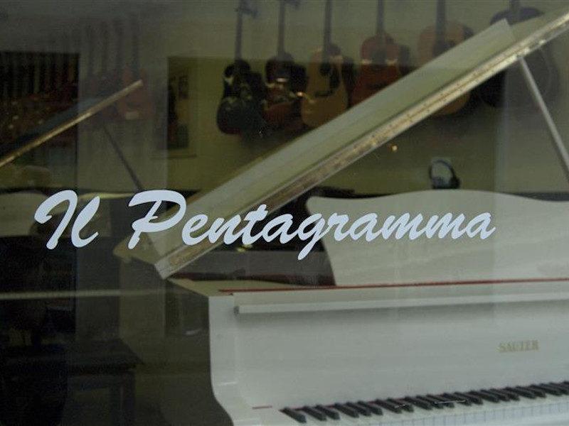 Negozi, musica, Il Pentagramma Strumenti Musicali , Castelfranco Veneto, (TV), Italia, Veneto
